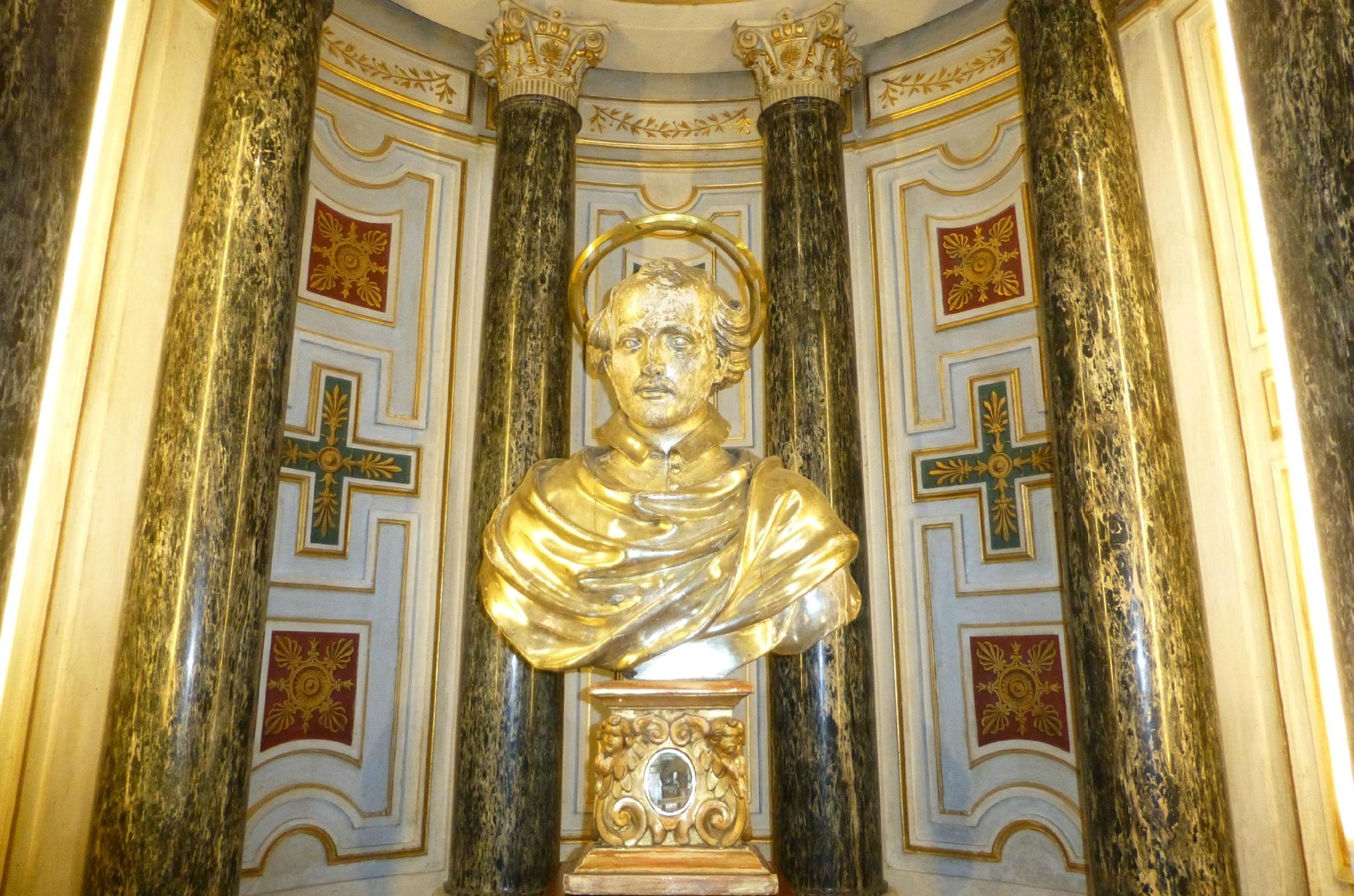 Saint-Yves-des-Bretons, buste du saint, styvesdesbretons.canalblog.com