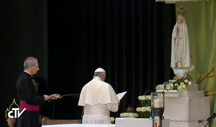 Prière à la chapelle des apparitions, capture CTV