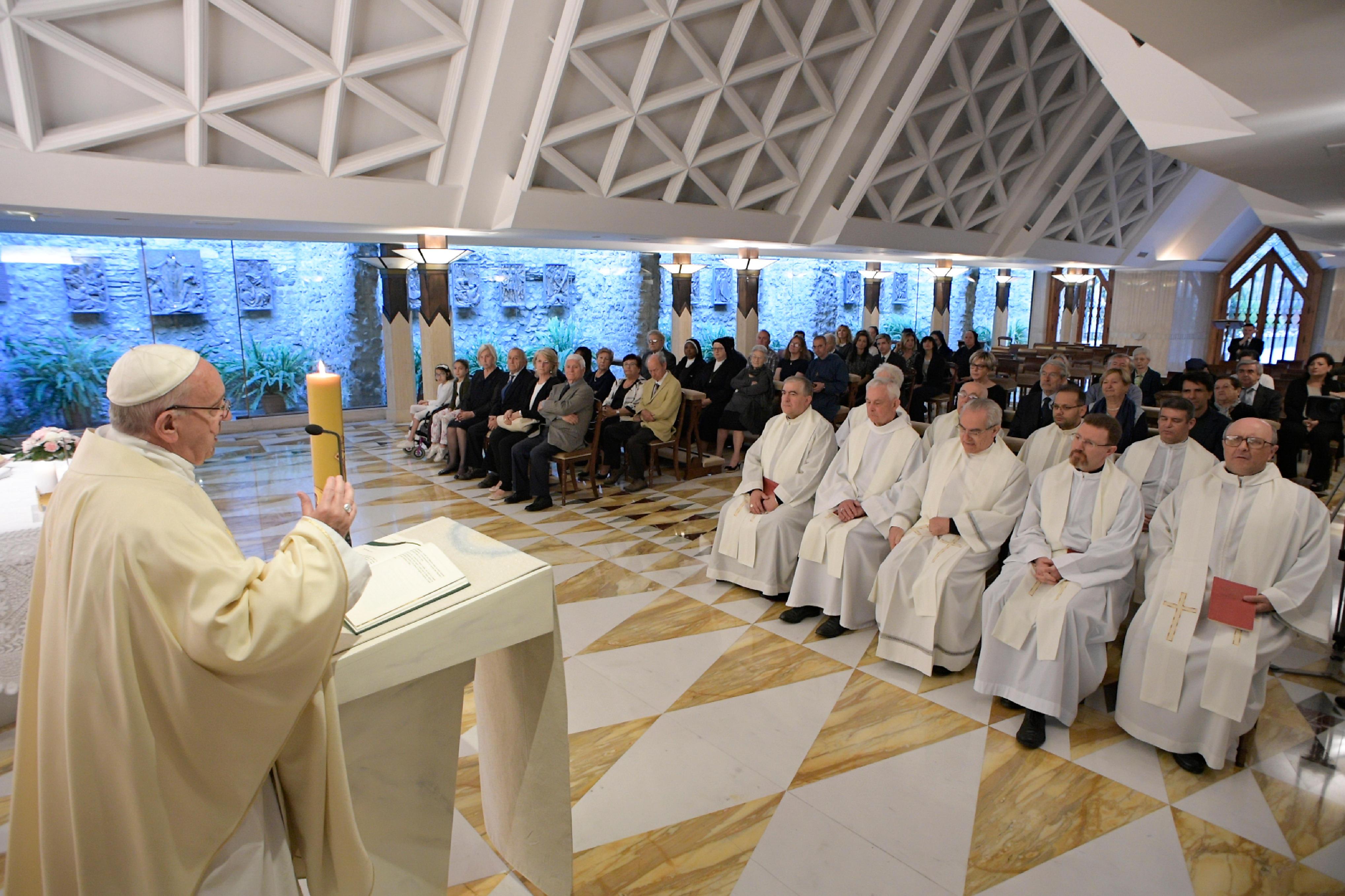 Messe du 23 mai 2017 à Sainte-Marthe © L'Osservatore Romano