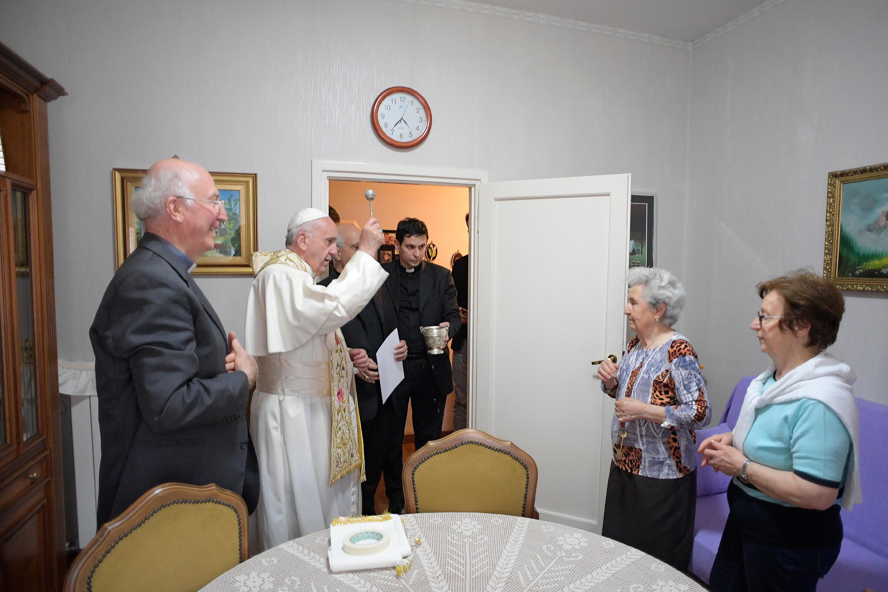 Bénédiction des familles, Ostie © L'Osservatore Romano