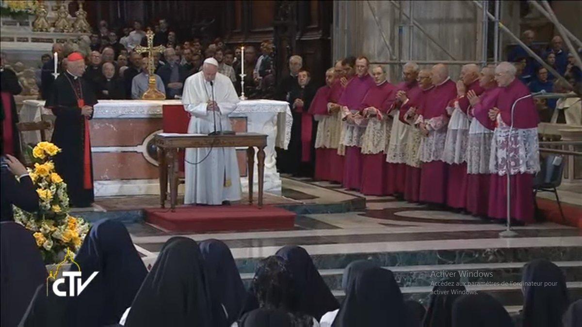 Prière dans la cathédrale de Gênes, 27 mai 2017, capture CTV