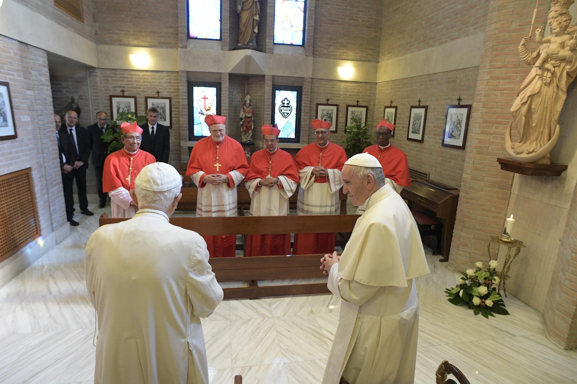 Consistoire du 28/06/17, visite à Benoît XVI © L'Osservatore Romano