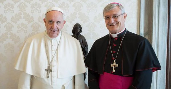 Mgr Andrés Carrascosa Coso reçu par le pape © L'Osservatore Romano