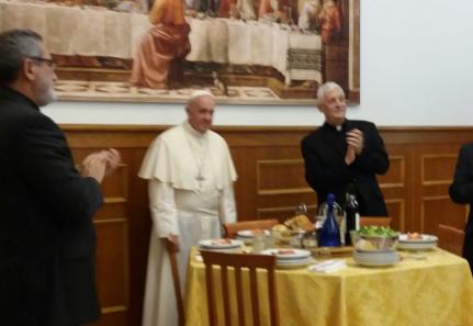 Déjeuner chez les jésuites © @Jesuitaspy