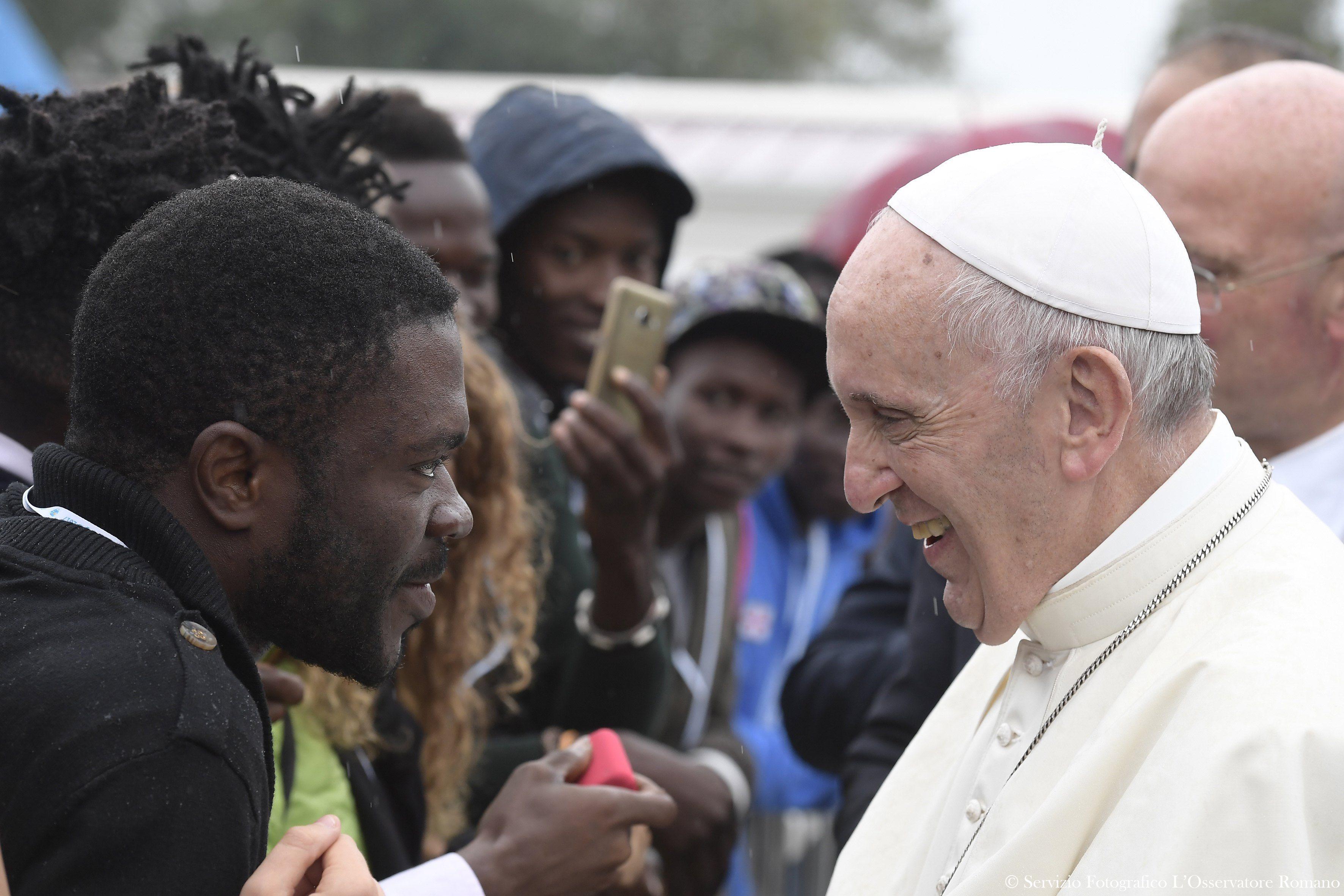 Rencontre avec les migrants à Bologne © L'Osservatore Romano
