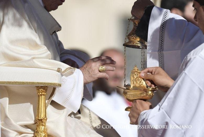 Encens © L'Osservatore Romano
