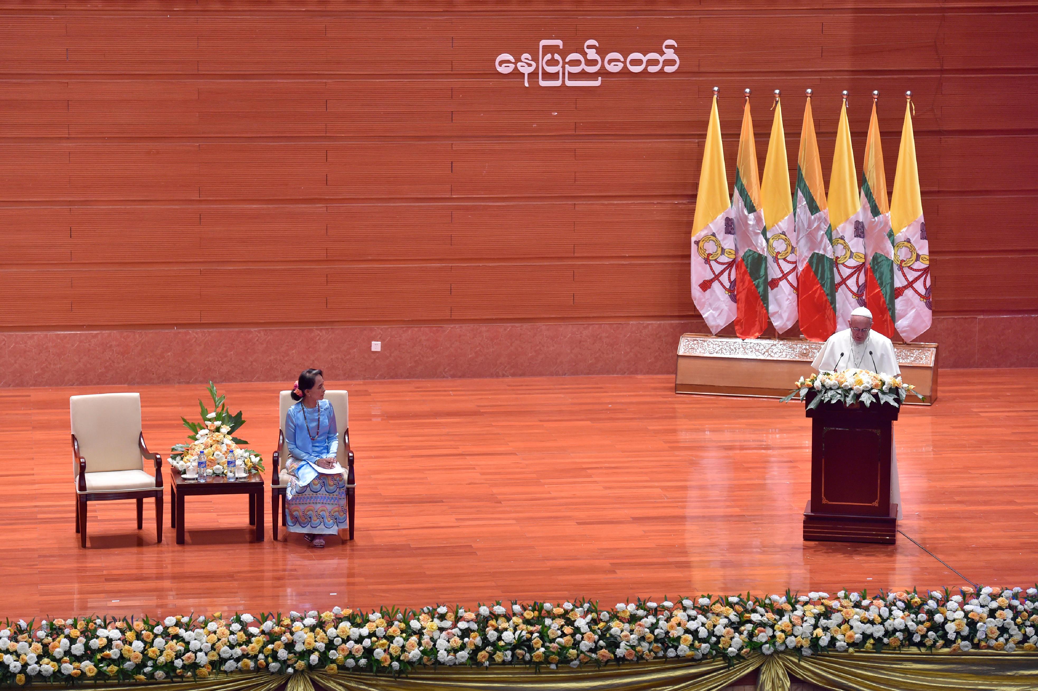 Myanmar, discours aux forces vives du pays, 28/11/2017 © L'Osservatore Romano