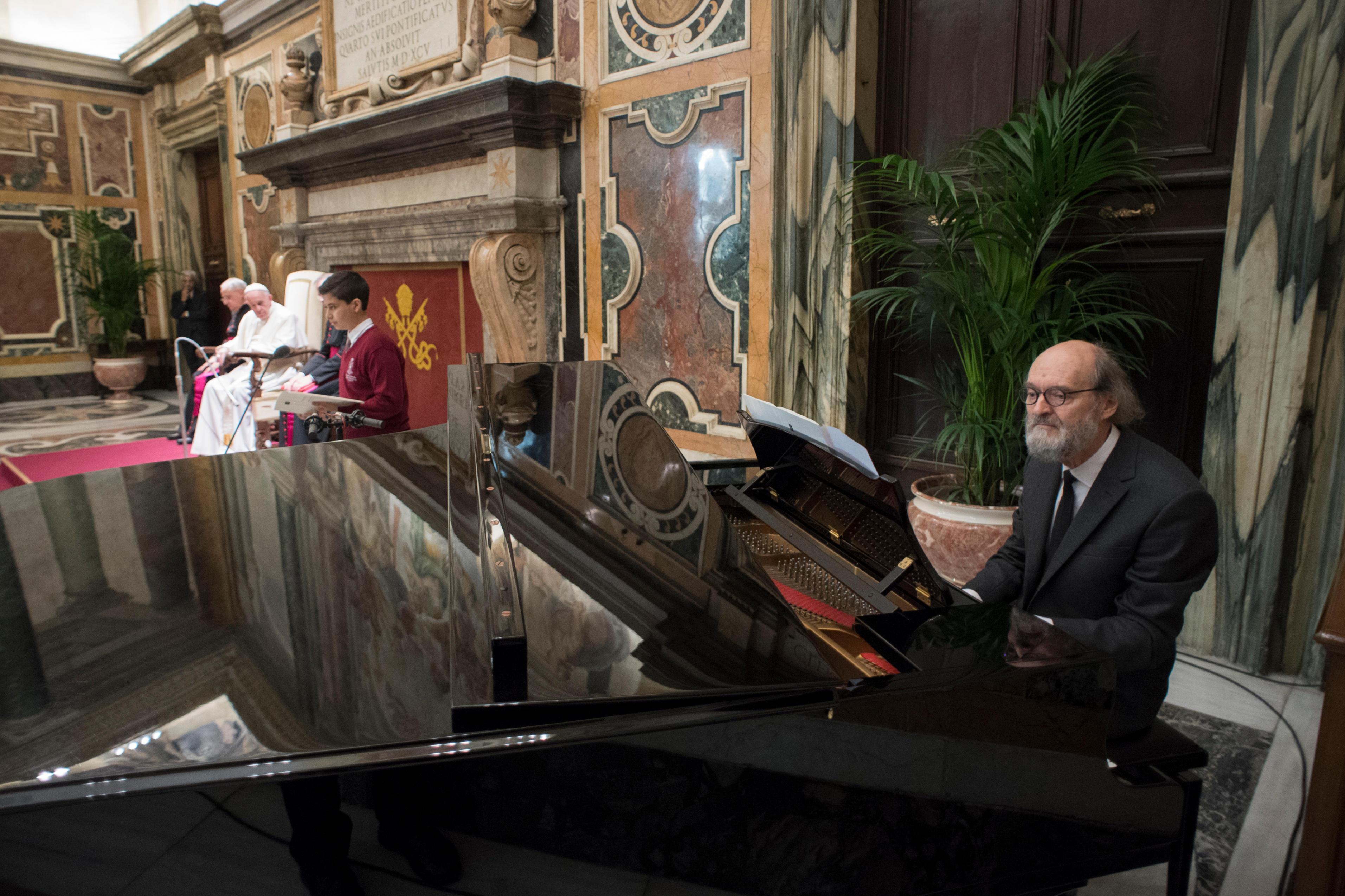 Remise du Prix Ratzinger © L'Osservatore Romano