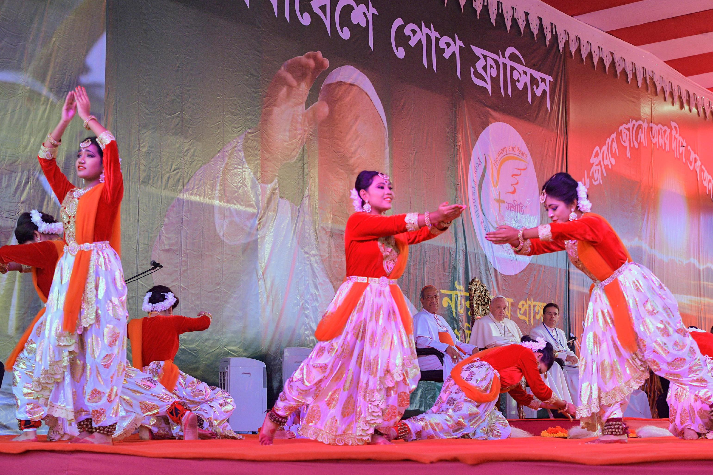 Rencontre avec les jeunes du Bangladesh, Dacca © L'Osservatore Romano