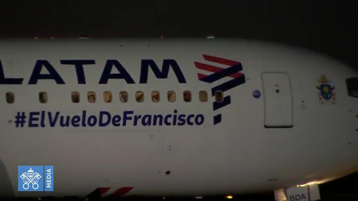 Avion qui a ramené le pape François à Rome, capture @ Vatican Media
