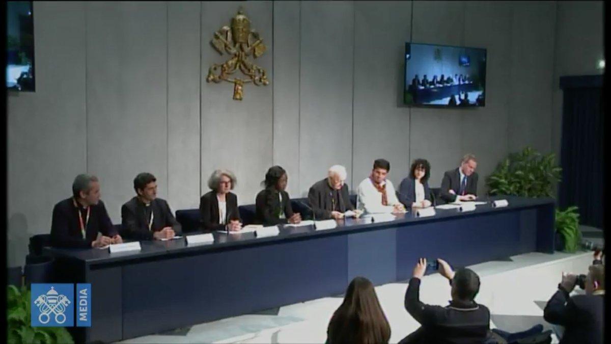 """Présentation du document """"pré-synodal"""" des jeunes, capture @ Vatican Media"""