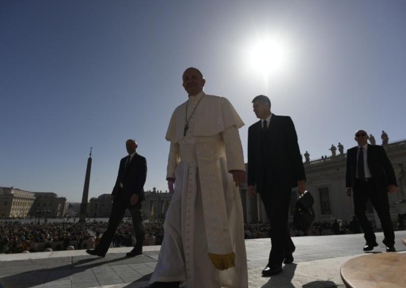 Le pape place Saint-Pierre © Vatican Media