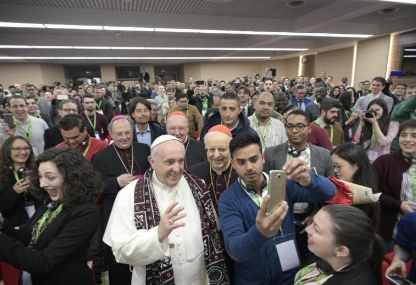 Réunion pré-synodale avec les jeunes © Vatican Media