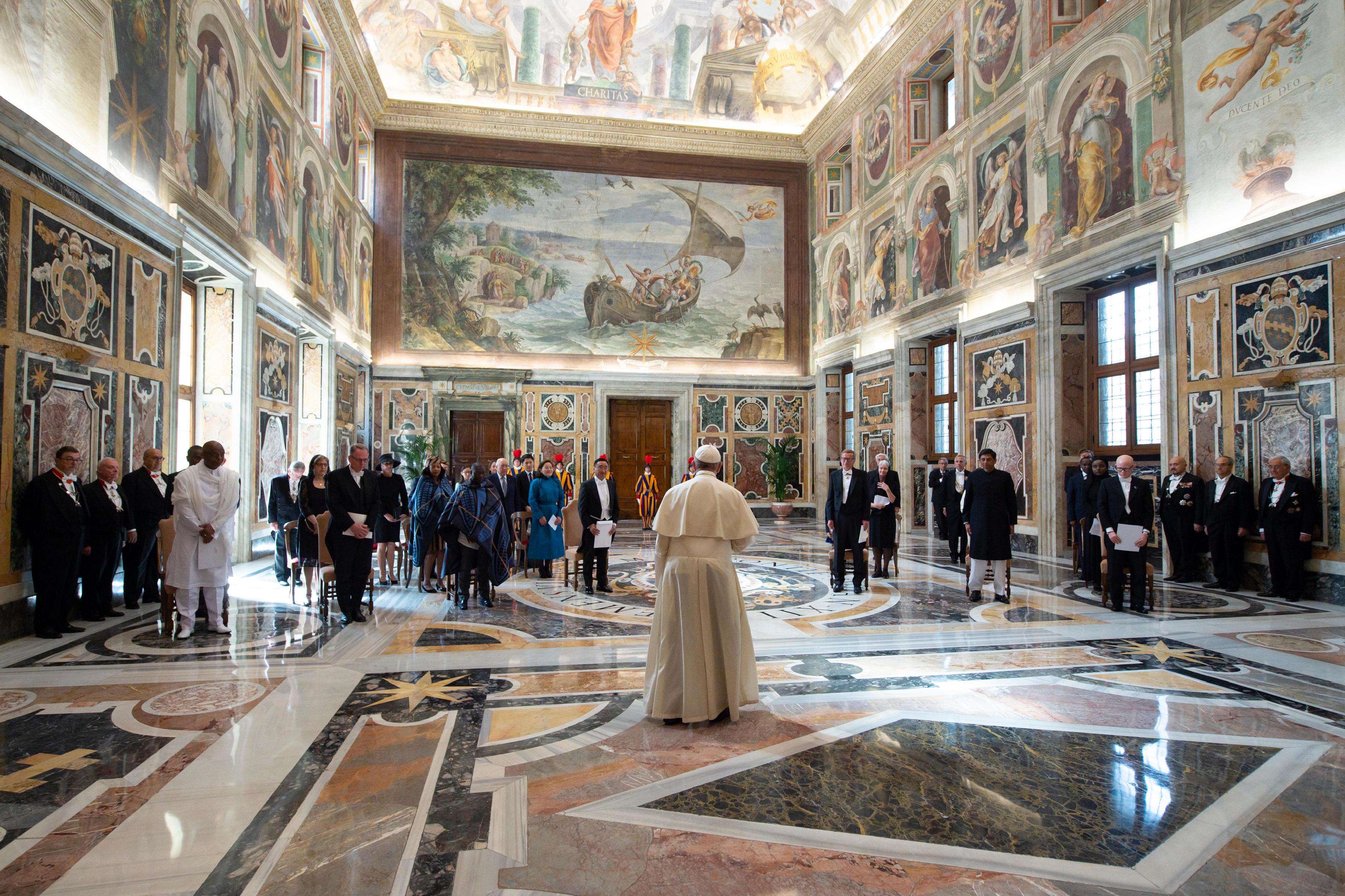 Sept nouveaux ambassadeurs © Vatican Media