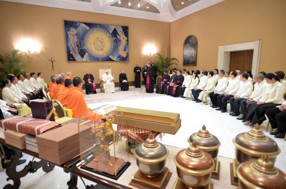 Moines bouddhistes de Thaïlande © Vatican Media