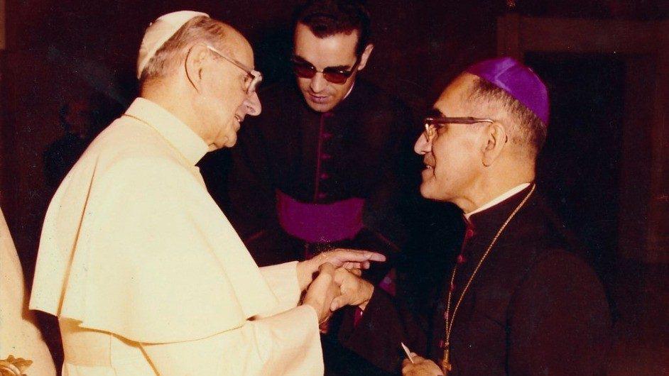 Paul VI et Mgr Romero © Vatican News