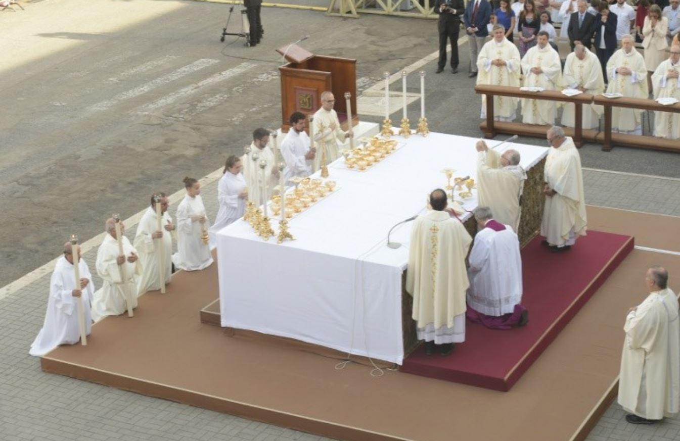 Fête du Saint Sacrement à Ostie © Vatican Media