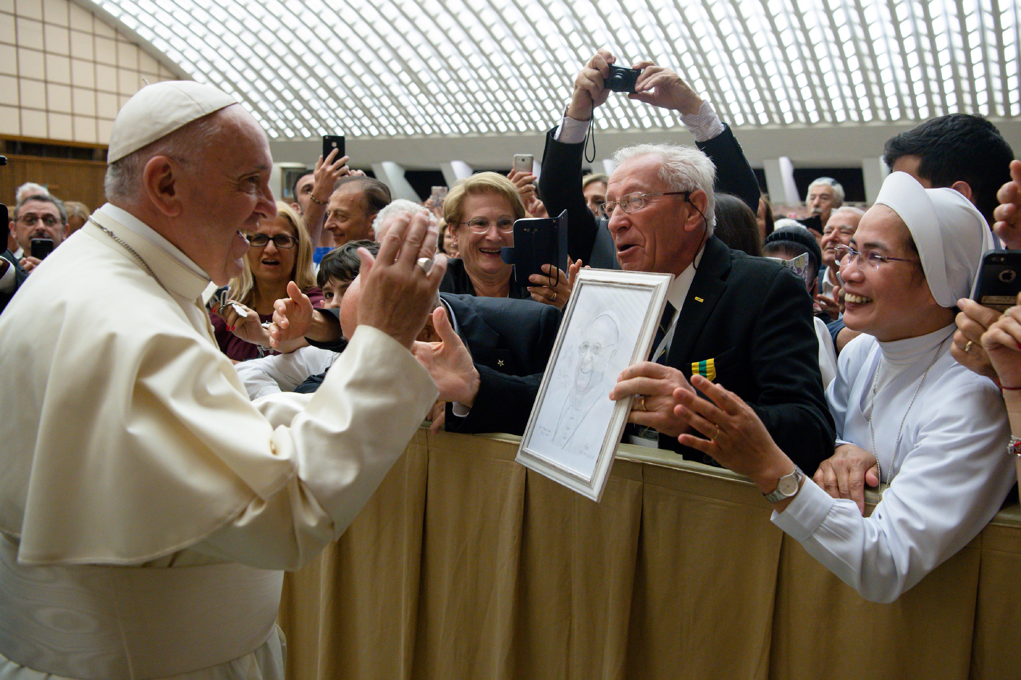 """""""Maîtres du travail"""" 15/6/2018 © Vatican News"""