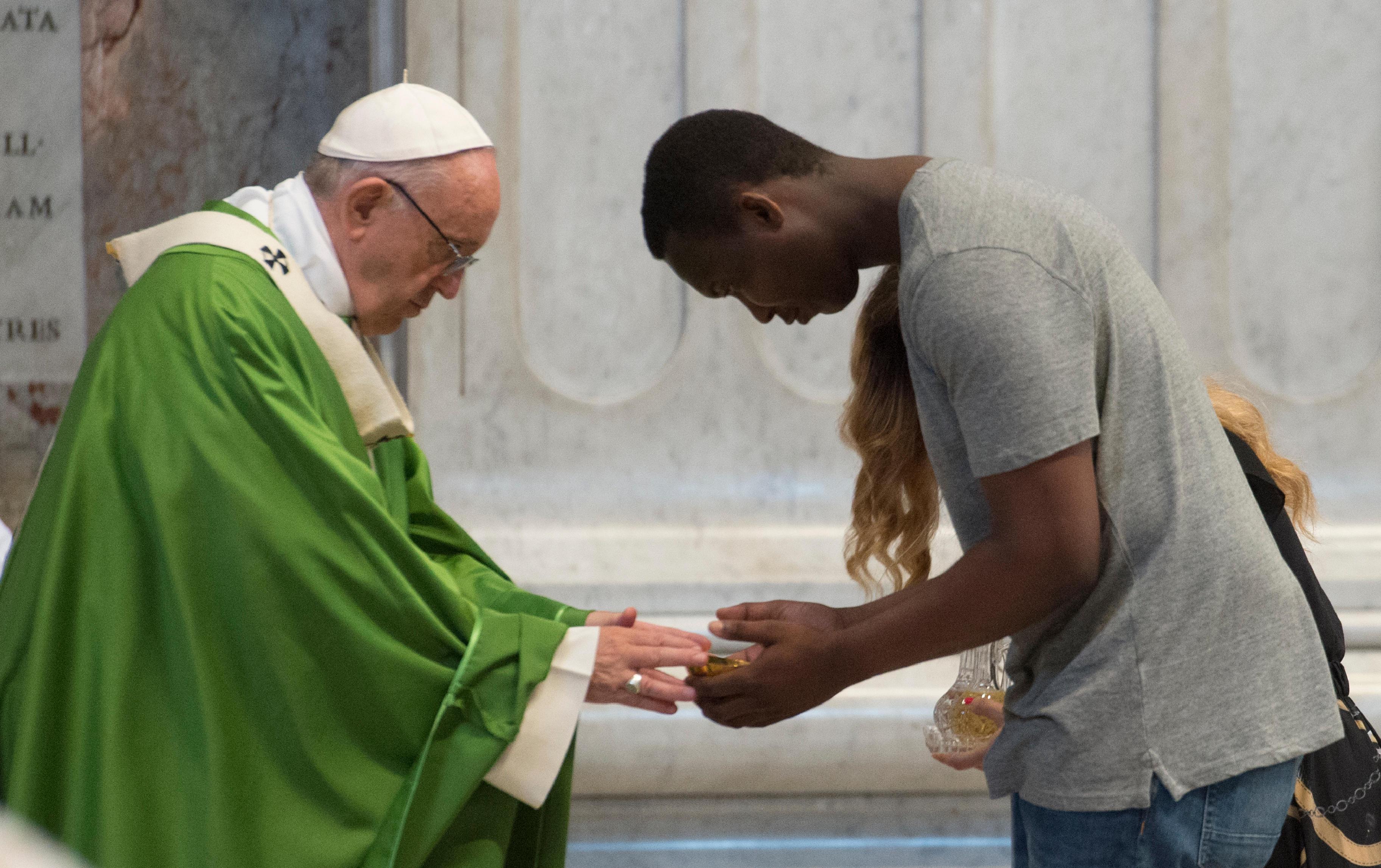 Messe pour les migrants à Saint-Pierre © Vatican Media