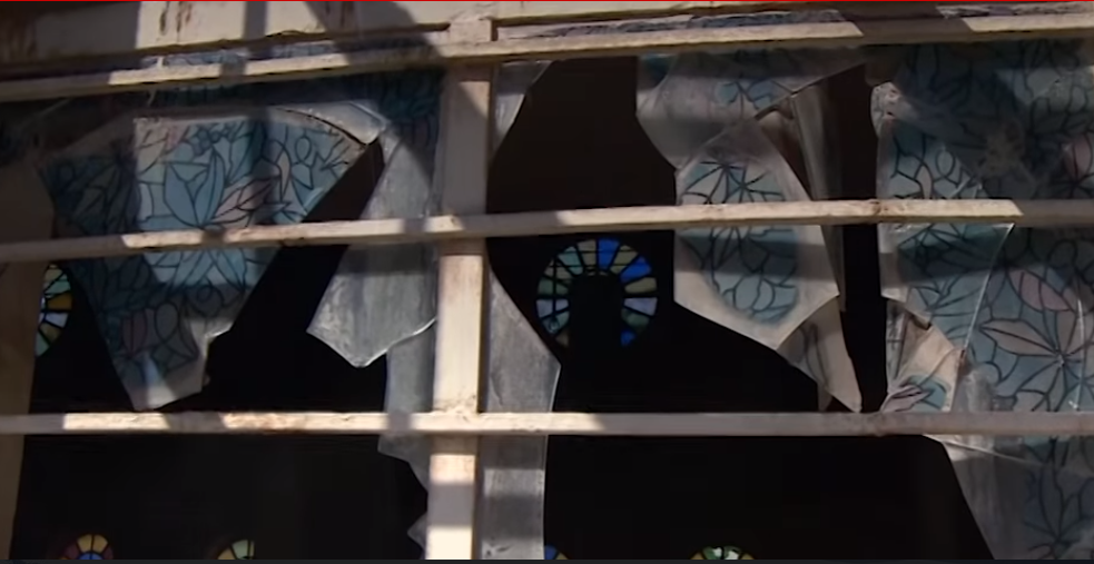 Vitrail d'église détruit © Vatican Media