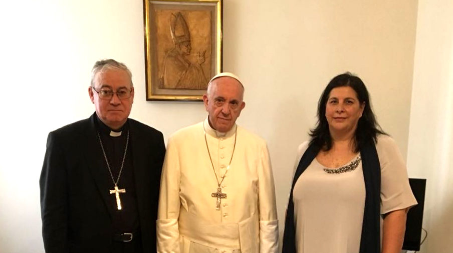 Mme Celis Brunet et Mgr González, 10 août 2018 © Vatican Media