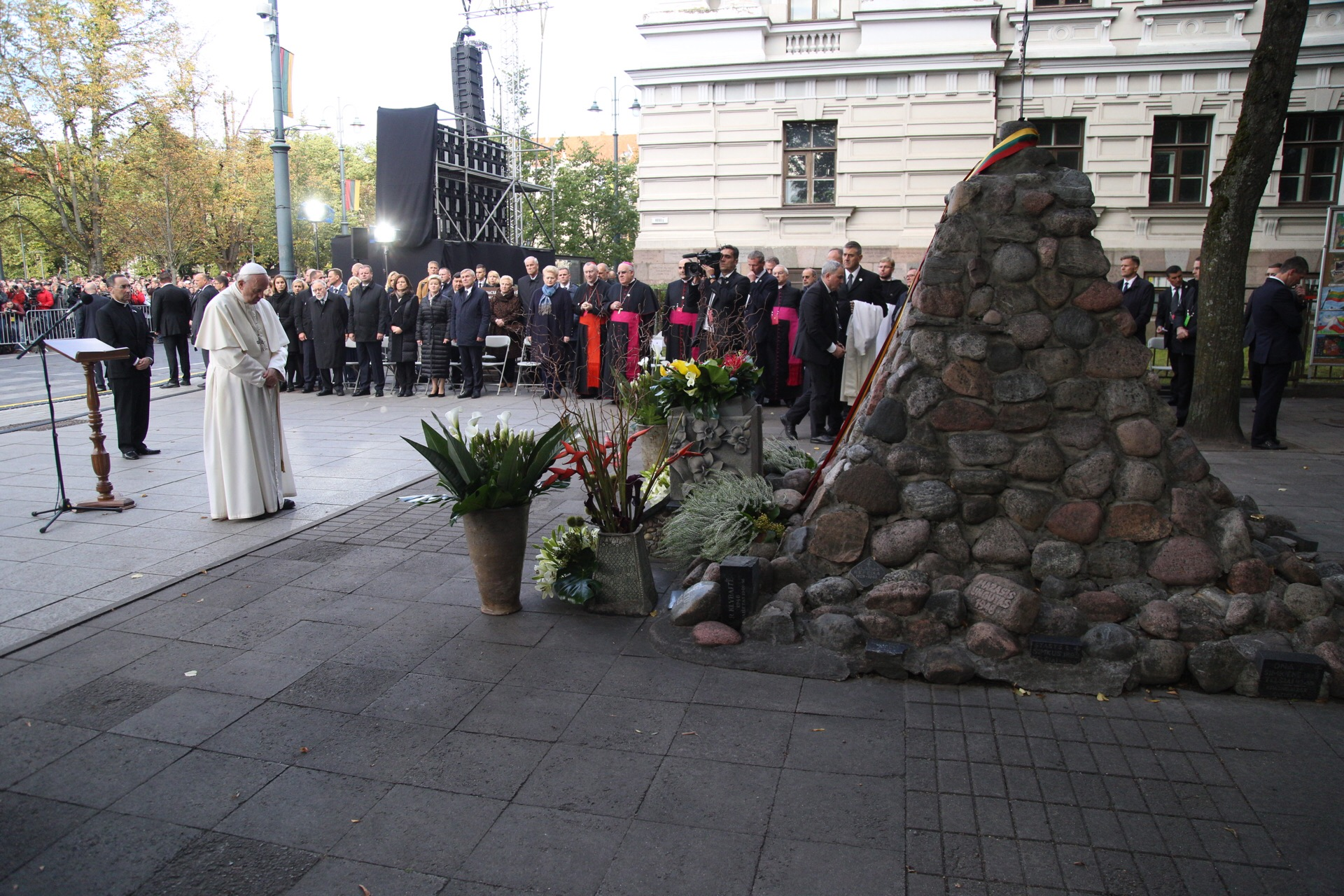 Vilnius, monument aux victimes des Occupations, place Lukiškės © Laima Penek