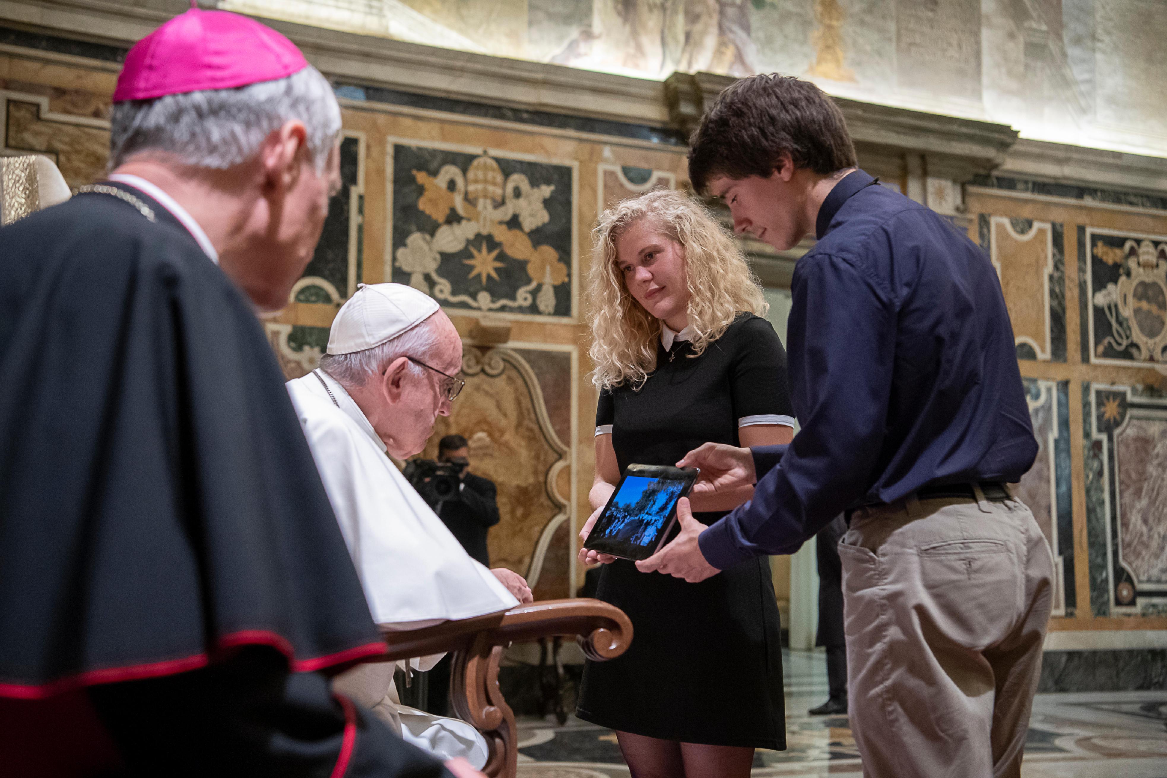 Jeunes du diocèse de Viviers © Vatican Media