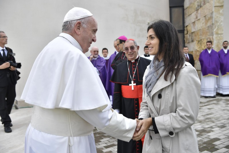 Le pape et la maire de Rome Virginia Raggi, 2 nov 2018 © Vatican Media