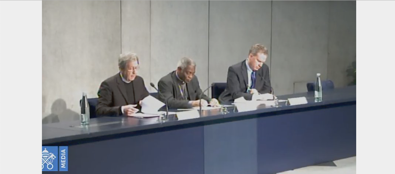 Mgr Duffé, card. Turkson et G. Burke @ Vatican Media