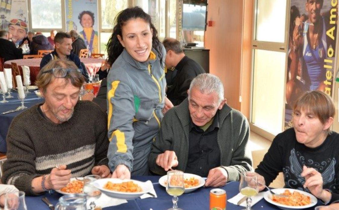 Déjeuner avec les plus pauvres © Vatican news