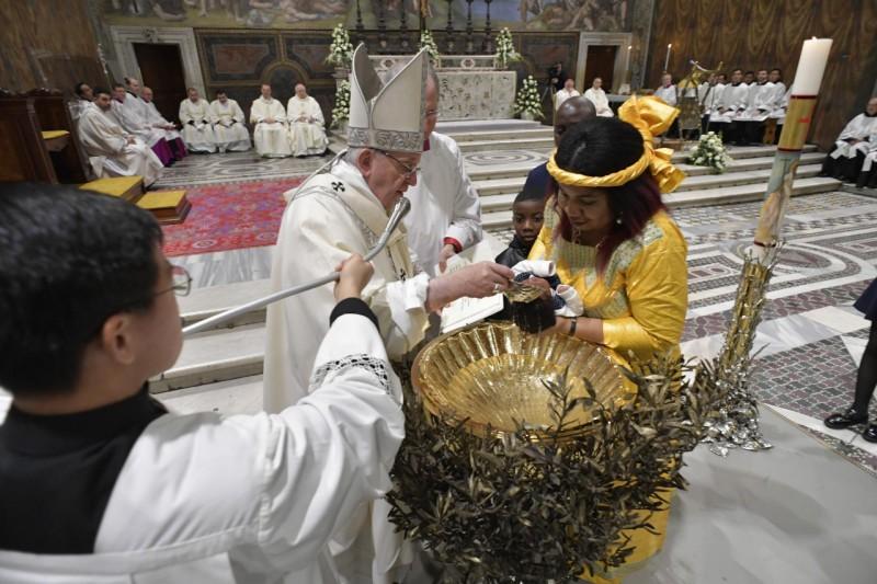 Baptême en la chapelle Sixtine 13 janvier 2019 © Vatican Media
