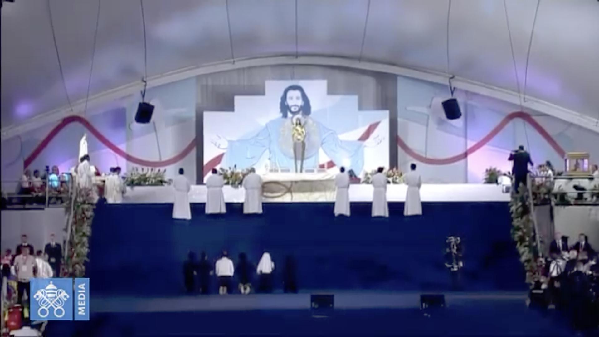 Adoration du Saint-Sacrement à Panama @ Vatican News
