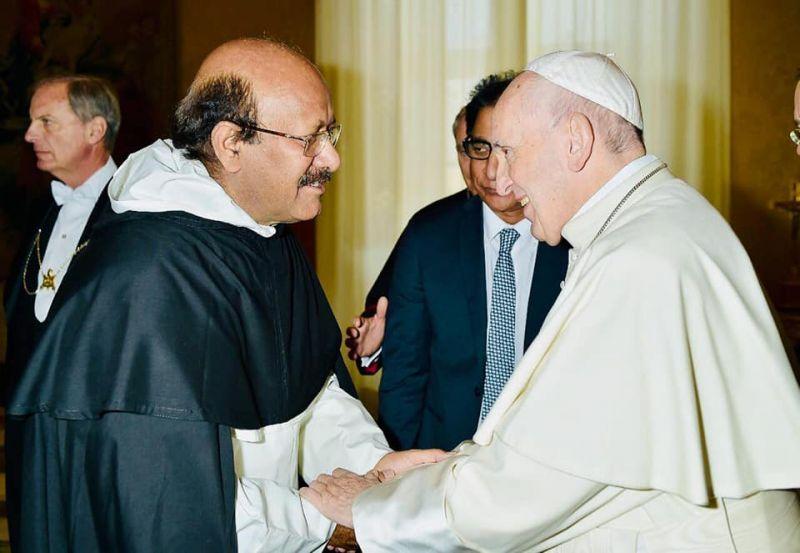 Le p. Channan salue le pape François le 30 nov. 2018 © Vatican Media