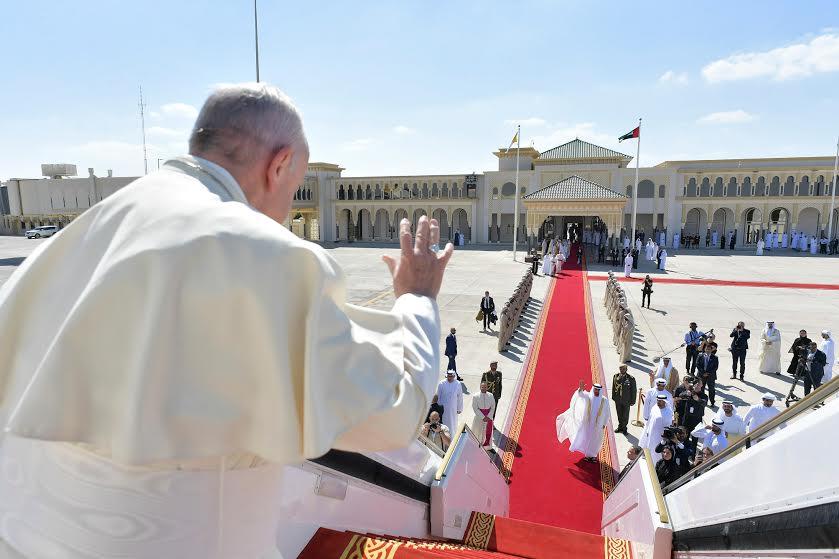 Départ de l'aéroport d'Abou Dhabi © Vatican Media