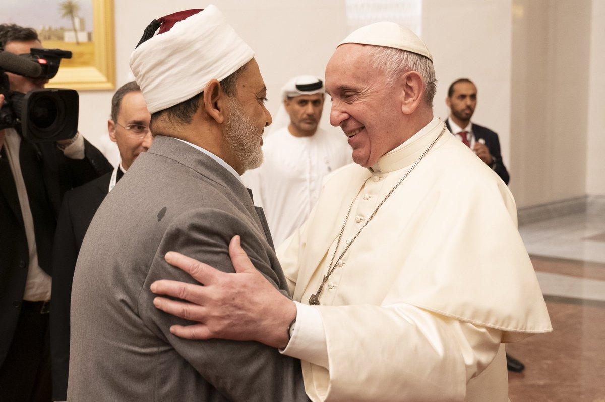 L'Imam Al-Tayeb accueille le pape François © Vatican Media