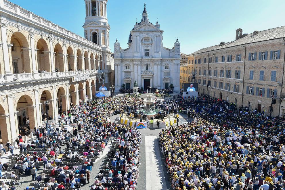 Parvis de la basilique de Lorette 25 mars 2019 © Vatican Media