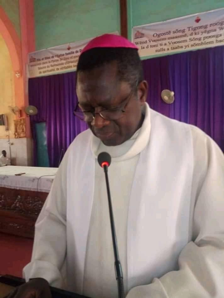 Mgr Alexandre Yikyi Bazié @ Facebook du diocèse de Koudougou