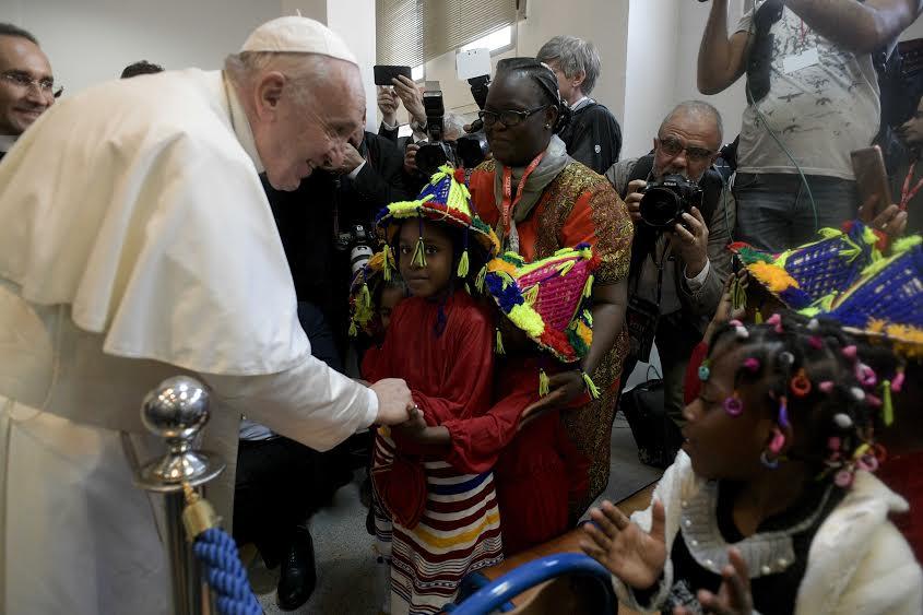 Visite à la Caritas de Rabat (Maroc) © Vatican Media