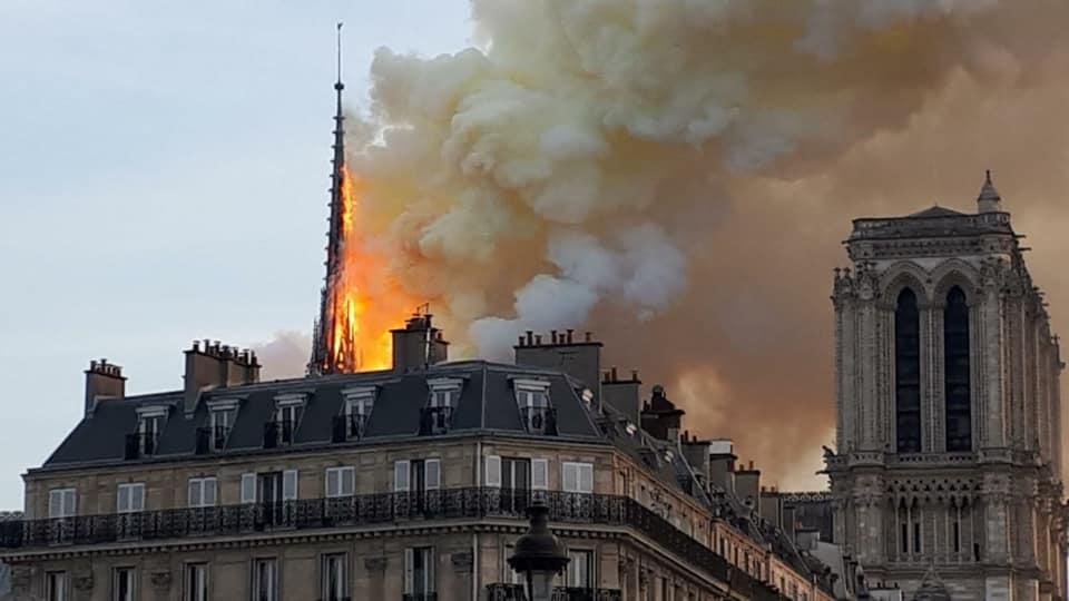 Incendie de Notre-Dame de Paris @ Facebook de Mgr de Moulins-Beaufort