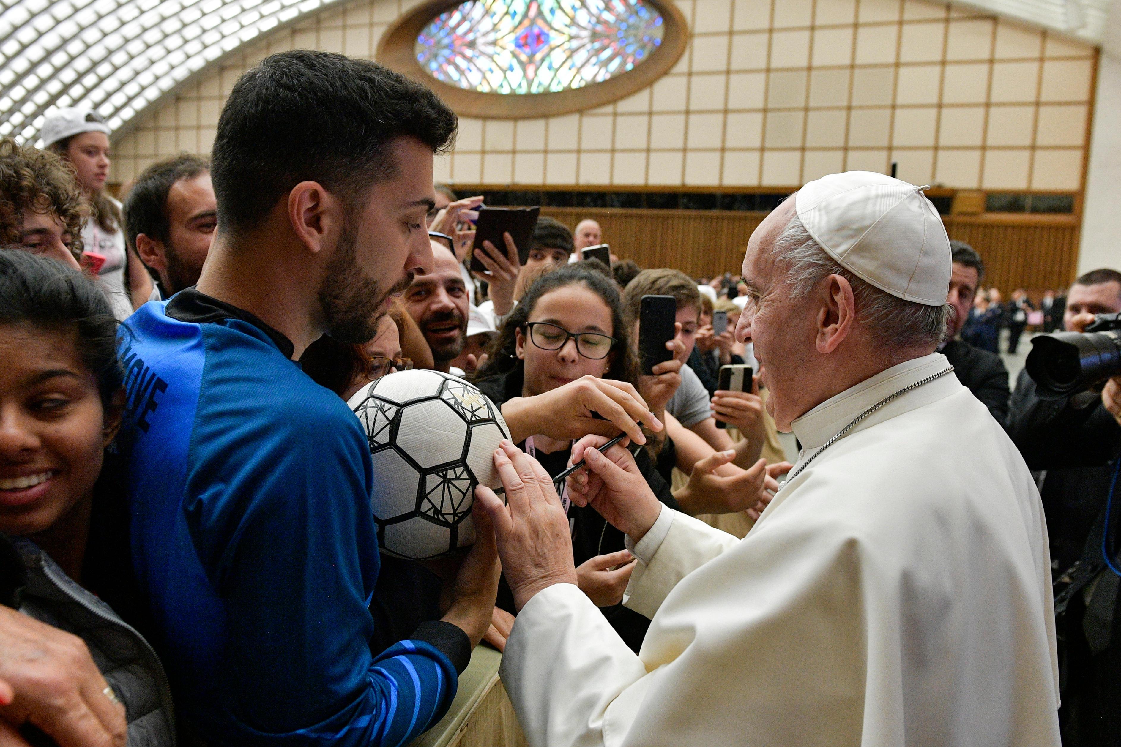 Jeunes sportifs, fédération de football italienne © Vatican Media