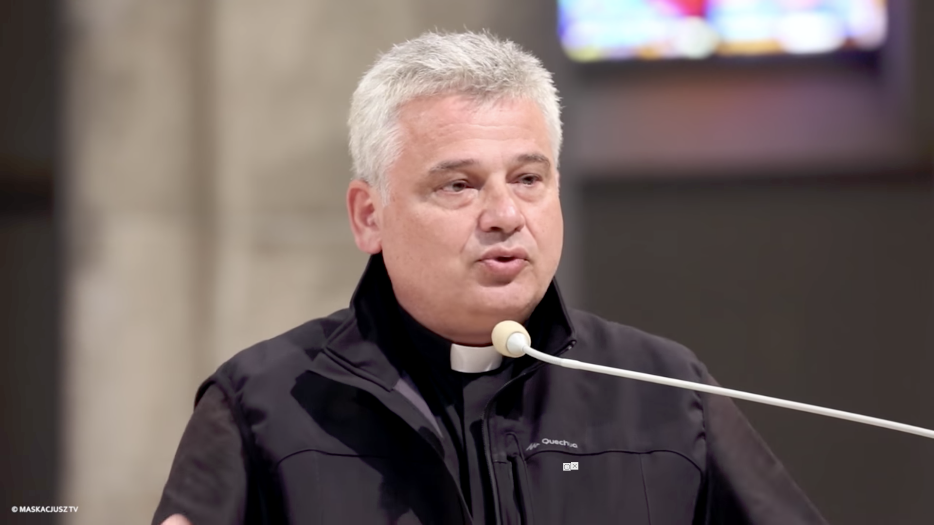 Card. Konrad Krajewski, aumônier apostolique @ YouTube / Maskacjusz TV