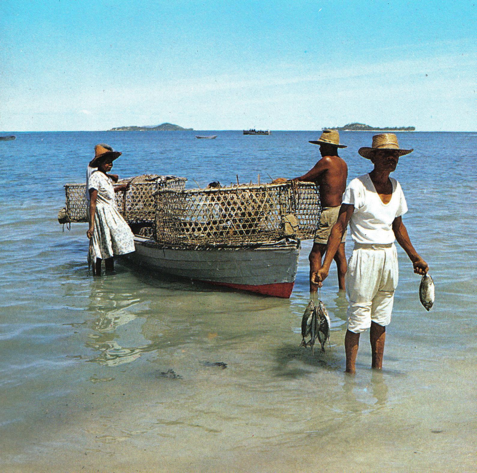 Pêcheurs des Seychelles @ DP / wikimedia commons / D. Sassi & M. Fayon,