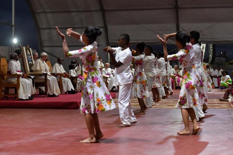Jeunes de Madagascar au domaine de Soamandrakizay © Vatican Media