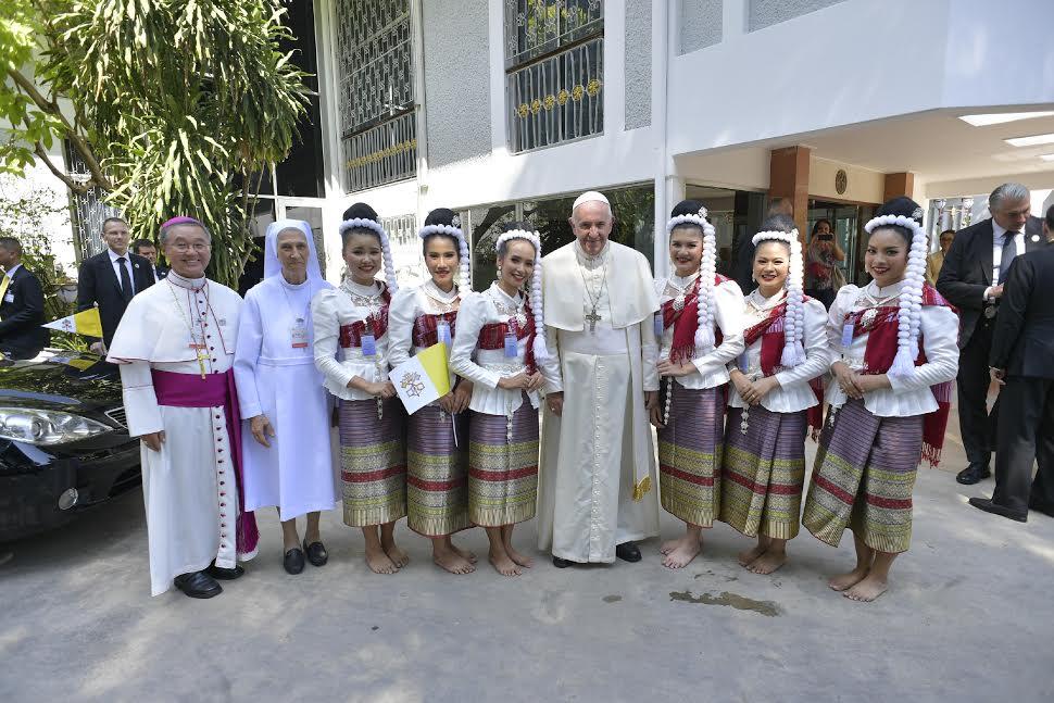 Arrivée à la nonciature de Bangkok, Thaïlande © Vatican Media