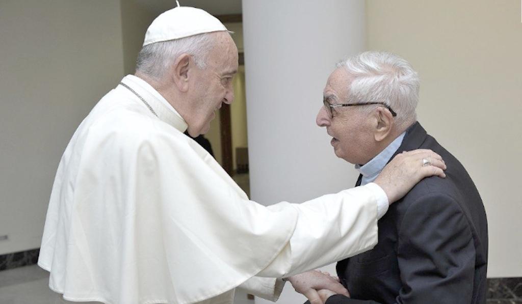 Le pape François rencontre le p. Filippo Grillo © Vatican Media