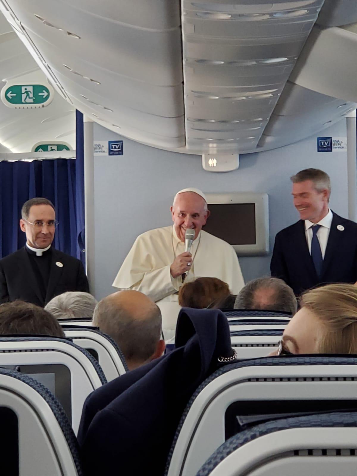 Conférence de presse sur le vol Tokyo-Rome © Vatican Media