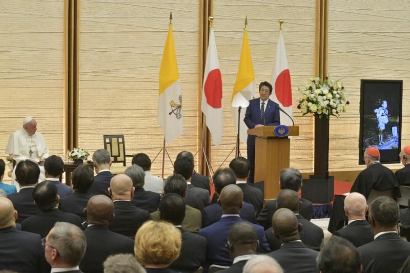Le Premier ministre Shintzo Abe, rencontre avec les autorités, Tokyo, Japon © Vatican Media