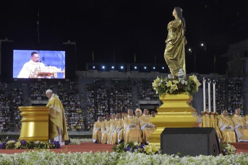 Messe au stade national Supachalasai de Bangkok, 21 novembre 2019 © Vatican Media
