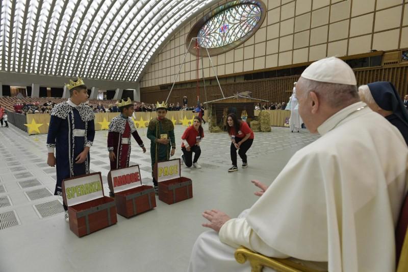 Enfants du dispensaire de Sainte-Marthe © Vatican Media