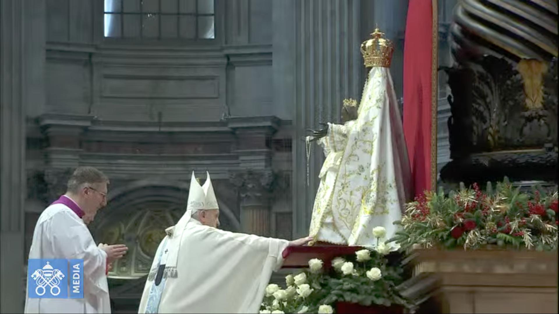 Madonna Incoronata de Foggia, Marie, Mère de Dieu, capture @ Vatican Media